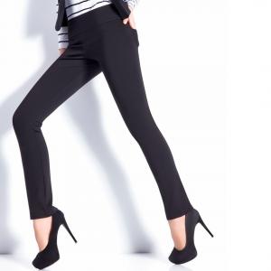 Pantalón negro básico elegante